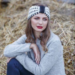 <strong>LIZA</strong><br>Cashmere Blend Black And White Melange Hand-Knit Headband