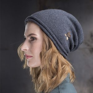 <strong>NEW YORK</strong><br>Cashmere Beanie With Gold Leaves