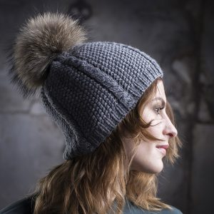 <strong>DAZY</strong><br>Cashmere Hand-Knit Hat With Cables and Fur Pom Pom