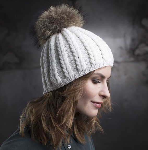 Cashmere hand-knit hat LIZA Ivory with fur pom pom