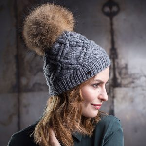 <strong>PETRA</strong><br>Cashmere Hand-Knit Hat With Fur Pom Pom